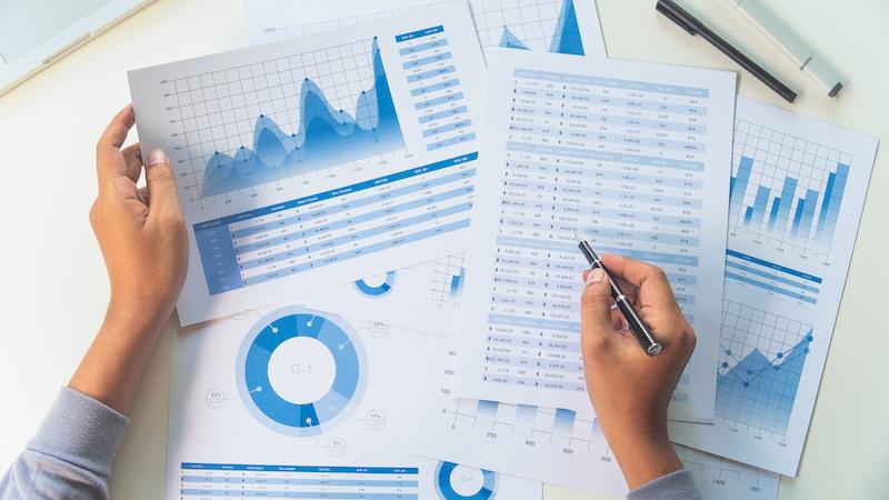 煩わしい収集・分析業務を効率化! 簡単に市場調査ができる3つのサービス